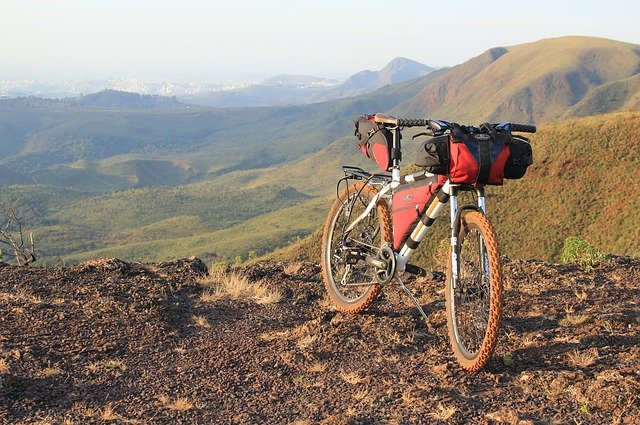 Viaggiare in bikepacking: cos'è e cosa serve?
