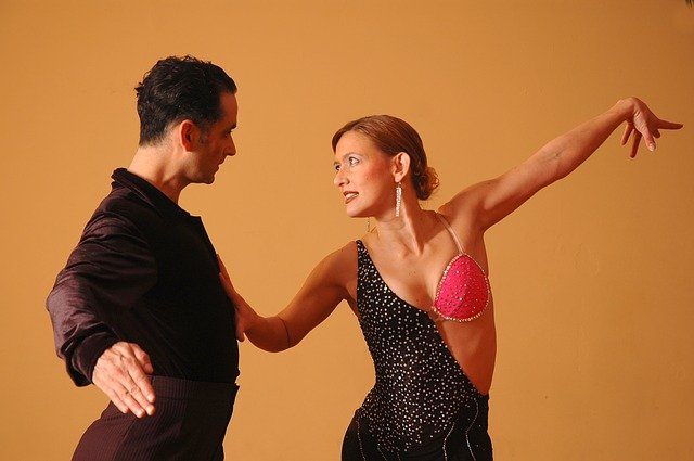 Balli latino americani e balli caraibici: quali sono le differenze?